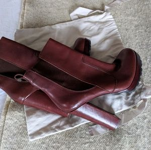 Shoes - BNWOT 100% Leather Brown Heeled Bootie US 8.5/9